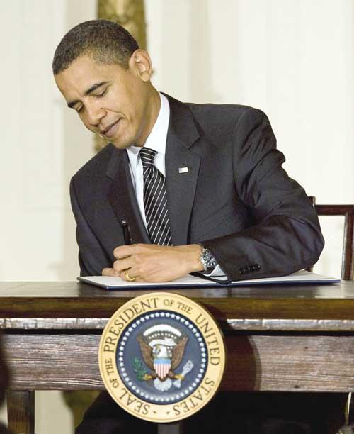 Barack Obama_canhoto